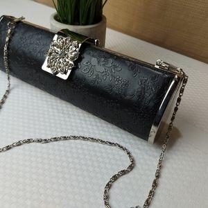 🌼3/$30  Unique Etched Faux Leather Clasp Clutch